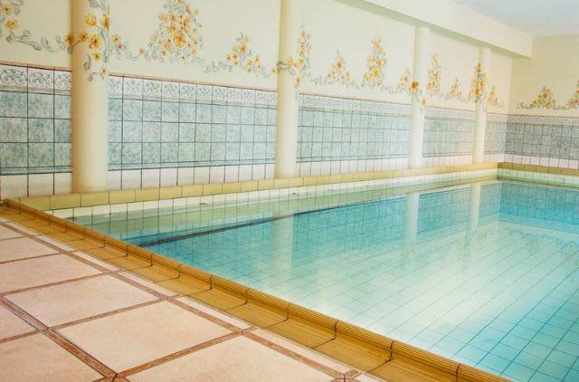 Hotel met zwembad Limburg 8 1