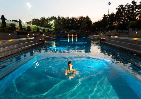 Hotel Amsterdam met zwembad deal 17 aug