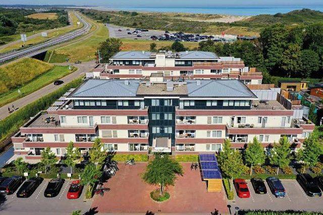 Hotel met balkon aan zee 23