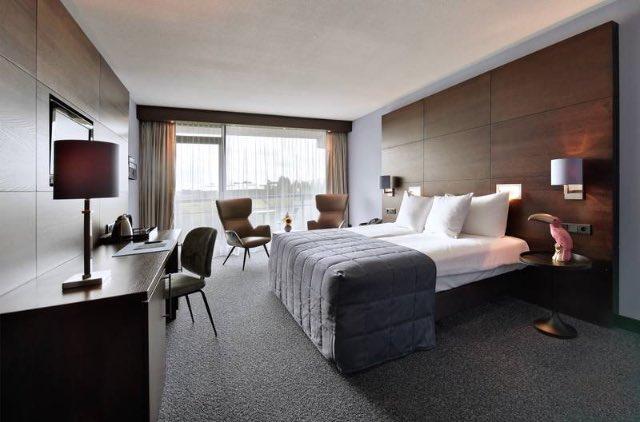 Hotel met balkon 8