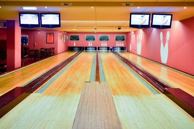 Hotel met tennisbaan en bowlingbaan 18